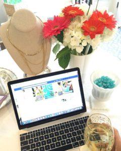 Stella & Dot image with laptop